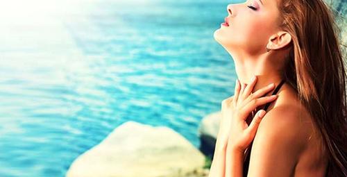 Saat 11.00 ile 13.00 arasında güneşlenmek çağın hastalığından koruyor!