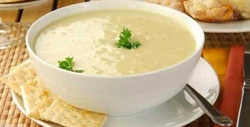 Damaklarınız şenlenecek: Sarımsaklı un çorbası tarifi