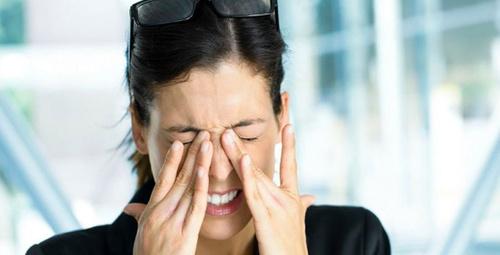 Bu hastalık en çok gözlerini ovuşturanları vuruyor!