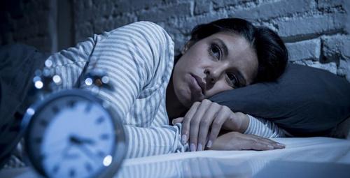 Geceleri uykuya güçlükle dalıyorsanız dikkat!