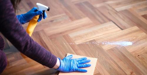 Evinizdeki ahşap zemini parlatacak kolay yöntemler!