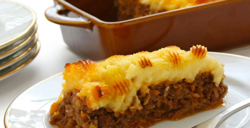 Hem lezzetli hem pratik: Fırında kıymalı patates püresi