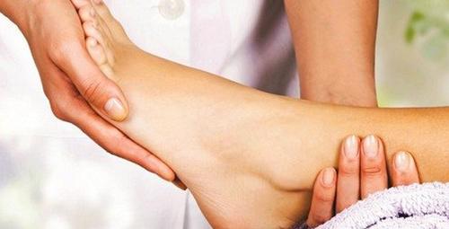 Yürürken ayağınızın sık sık takılması hastalık belirtisi!