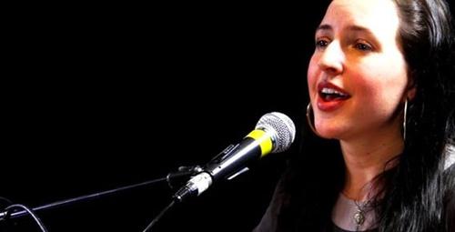 Ayet-el Kürsi'yi okuyan Amerikalı şarkıcı tüyleri diken diken etti!