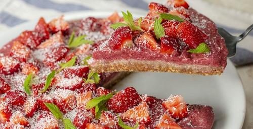 İçinizi ferahlatacak lezzet: Meyveli soğuk pasta
