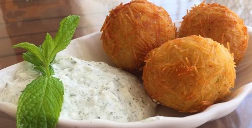 Lezzetli ve ekonomik: Tel şehriyeli patates köftesi