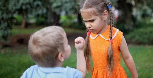 Çocuklarda ciddi sorunlara işaret eden 5 davranış!