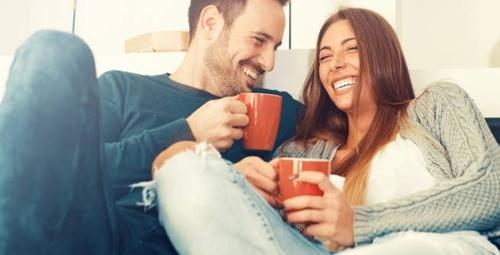Erkeğinizi kendinize hayran bırakmanın 5 kolay yolu!