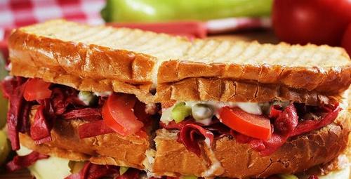 Kahvaltılık Ayvalık tostu nasıl yapılır?