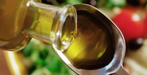 Her gün 1 kaşık zeytinyağı tüketmenin inanılmaz faydaları!