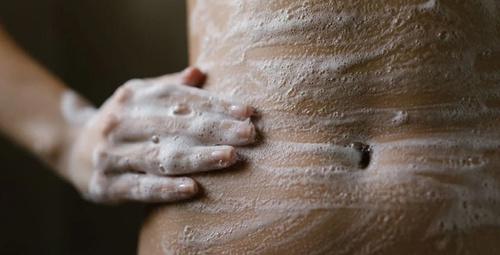 Vücudunuzda yanlış temizlediğiniz 7 yer!