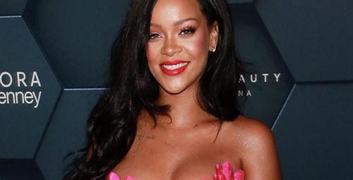 İç çamaşırlı video'sunu yayınlayan Rihanna, takipçilerini büyüledi!