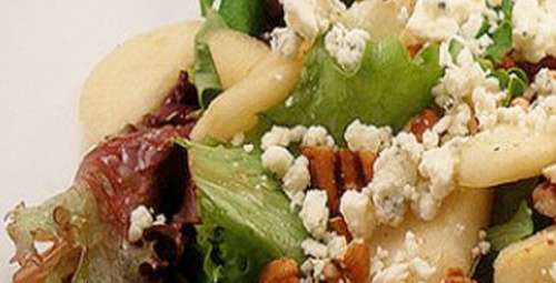 Rokfor Peynirli Armut Salatası