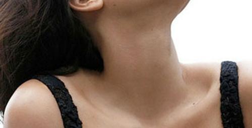 Kim Kardashian iç çamaşırlı pozları