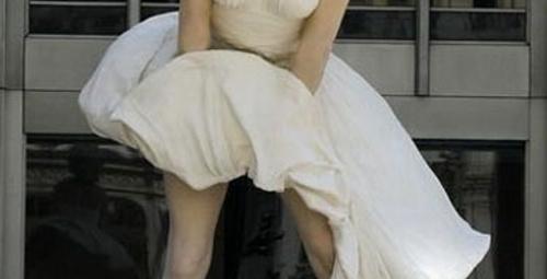Marilyn'in eteği Chicago'da havalandı!