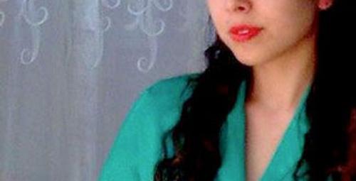 Retrosever güzel Zeynep'le tanışın!