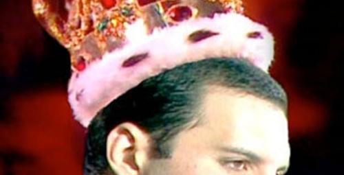 Freddie Mercury sahneye çıkacak!