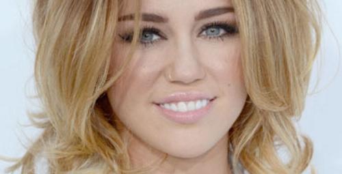 Billboard töreninin en güzel 10 saç modeli