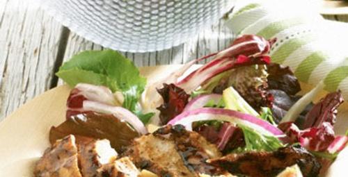 Bahar sofralarına: Tavuklu Makarna Salatası