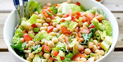 Düşük kalorili nohut ve mercimek salatası!