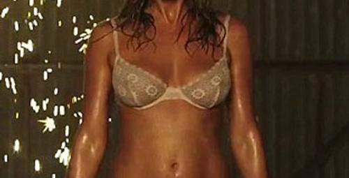 Jennifer Aniston striptiz yaptı!