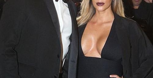 Derin göğüs dekoltesiyle Kim Kardashian!