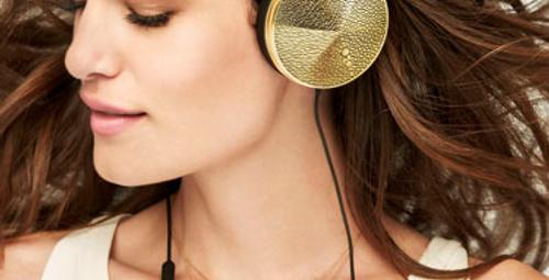 Ünlü kadınların yeni gözdesi: Frends kulaklıklar!