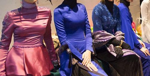 İslami Moda Festivali'nde kadınlardan büyük hareket!