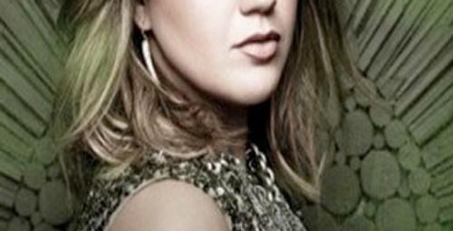 Kelly Clarkson'dan yeni albüm