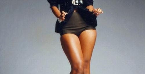 Beyonce bacakları bu yılın modası