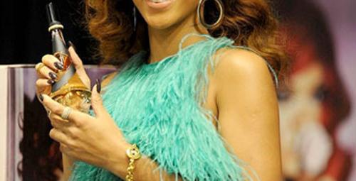 Rihanna'nın yeni saç modeli