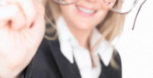 Gözlük vidanız çabuk mu düşüyor?