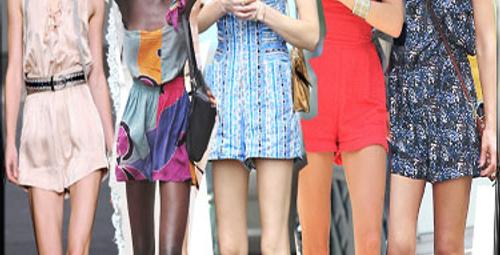 Bu yaz mini elbiselerden fazlası var
