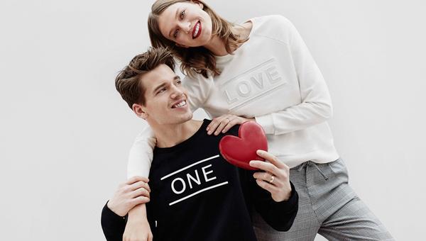 LC Waikiki Sevgililer Günü özel sloganlı tişörtlerine bakmadan hediye almayın