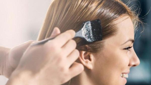Cilde bulaşan saç boyası nasıl çıkar? Saç boyası lekesi nasıl çıkarılır?