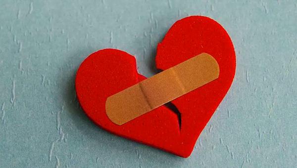 Aşk acısı çekenlerin yapmaması gerekenler nelerdir? Aşk acısı çekenlerin ne yapmalıdır?