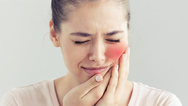 Diş ağrısından kurtulmanın doğal yolları nelerdir?