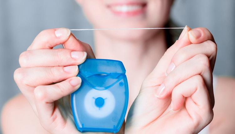 Diş ipi nedir? Diş ipi nasıl kullanılır ve yararları nelerdir?