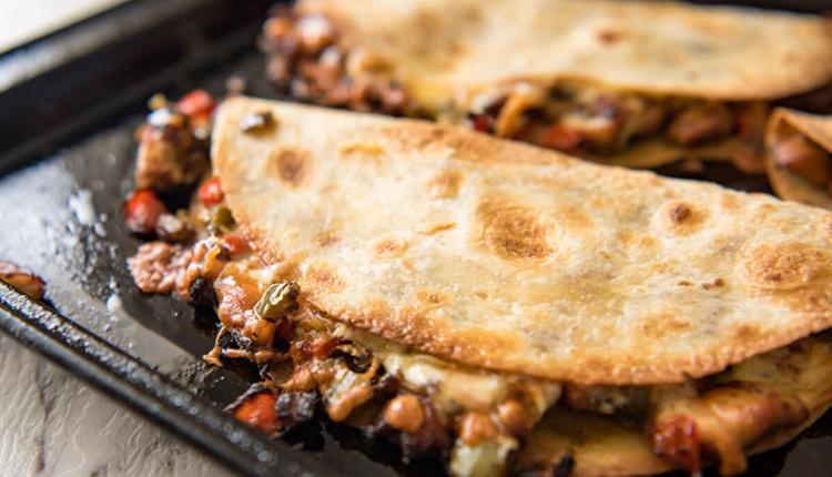 Etli quesadilla nasıl yapılır, gerekli malzemeler nelerdir?