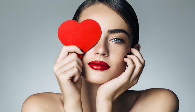 Aşık olduğumuzu nasıl anlarız aşkın belirtileri nelerdir?