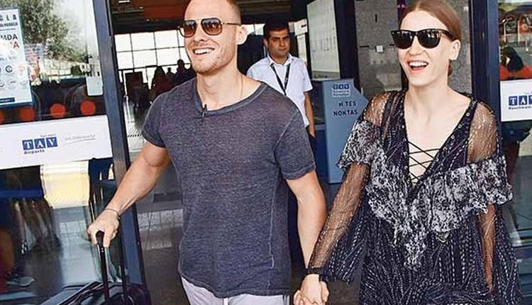 Serenay Sarıkaya ve Kerem Bürsin tatile mi gitti?