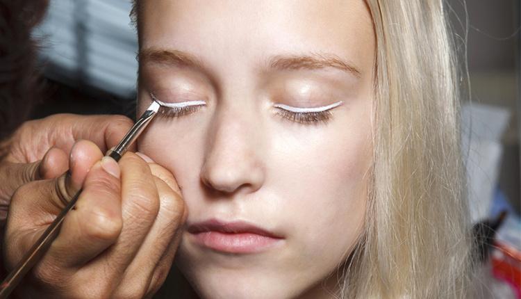 Nude eyeliner makyajı nedir nasıl yapılır ?
