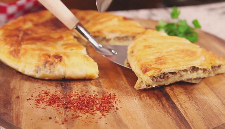 Sahur için ıspanaklı kıymalı tava böreği tarifi ve malzemeleri
