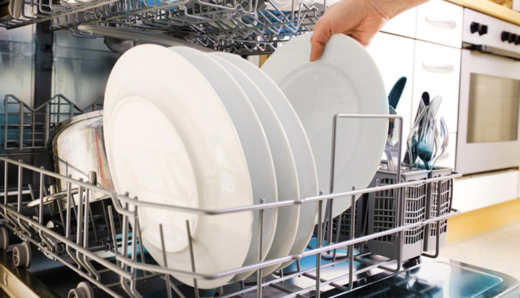 Bulaşık makinesinde yıkanmaması gereken 7 eşya dikkat!