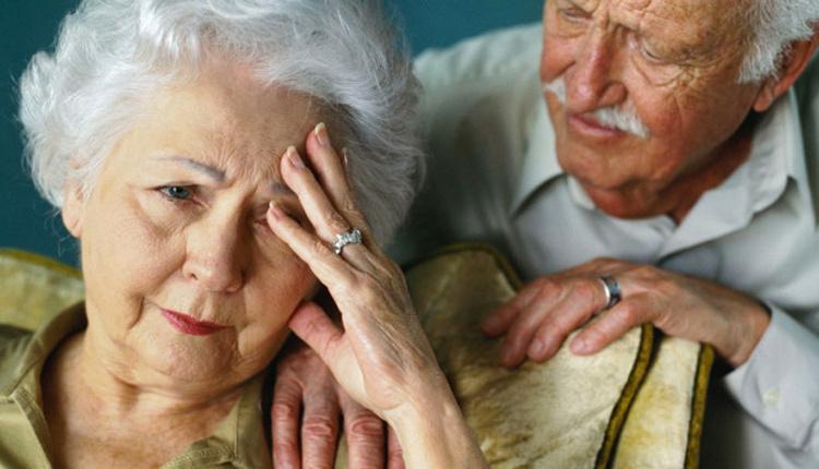 Alzheimer'dan korunma yöntemleri günde 1 tane elma tüketirseniz...