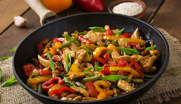 Sebzeli tavuk sote nasıl yapılır malzemeler nelerdir?