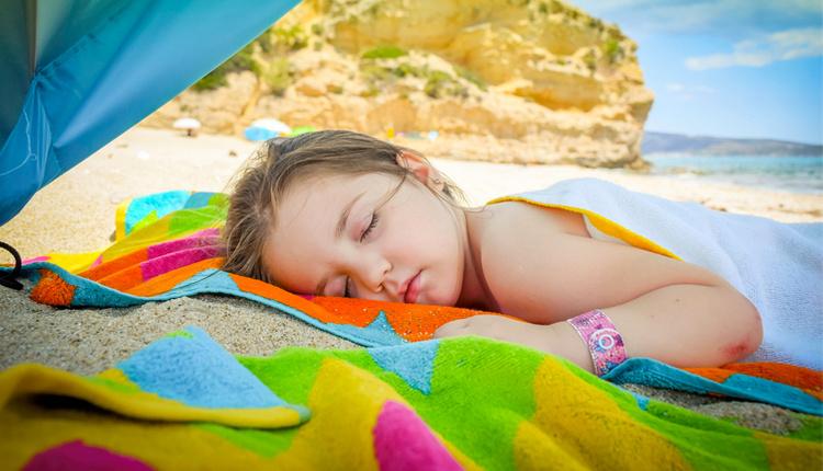 Yaz aylarında çocukların hasta olmasını önlemek için ne yapılmalıdır?