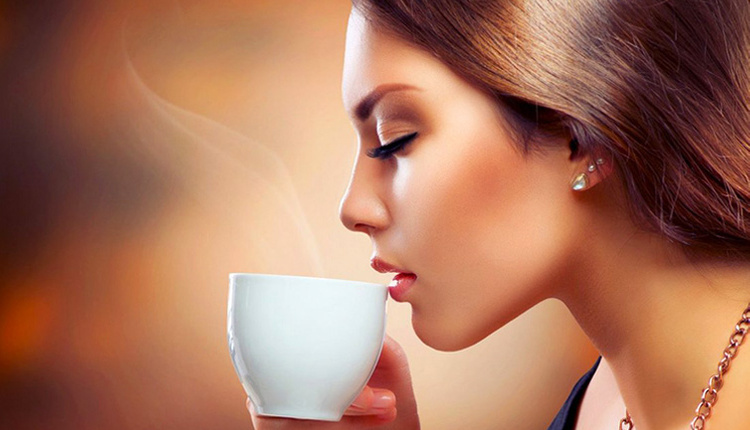 Aç karnına kahve içmek zararlı mıdır kafeinsiz kahve bile...