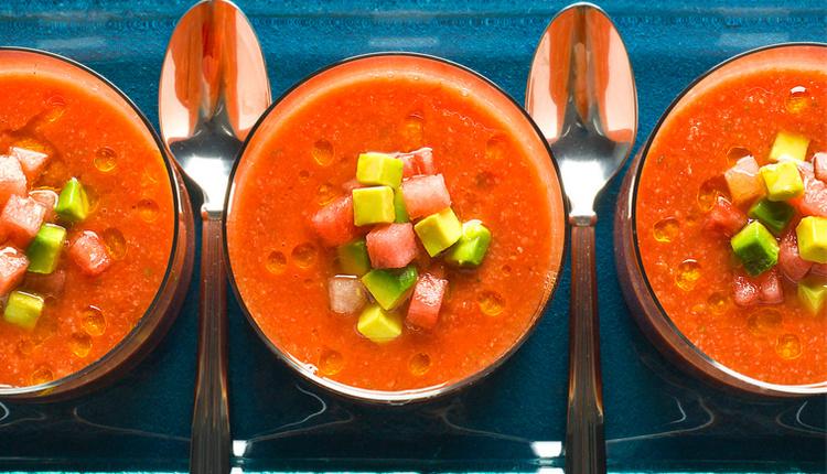 Gazpacho çorbası nasıl yapılır İspanyolların vazgeçilmez lezzeti!