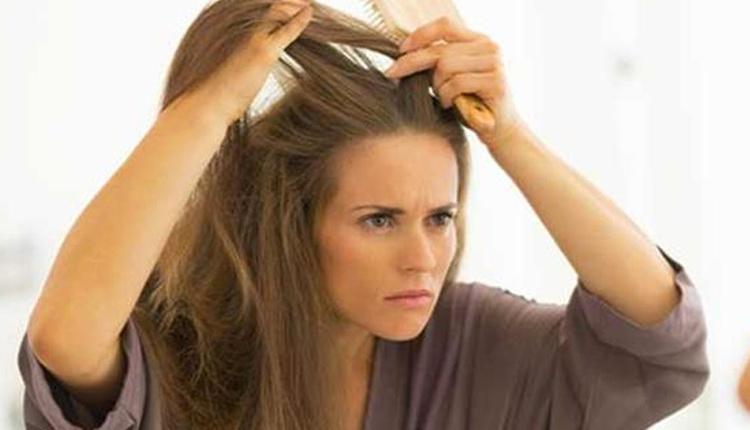 Beyazlayan saçlara doğal çözüm nedir cevizi saçınıza sürerseniz...